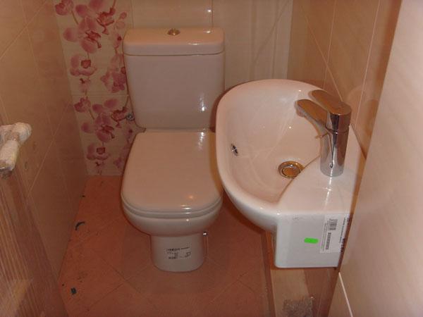 Дизайн туалет с раковиной