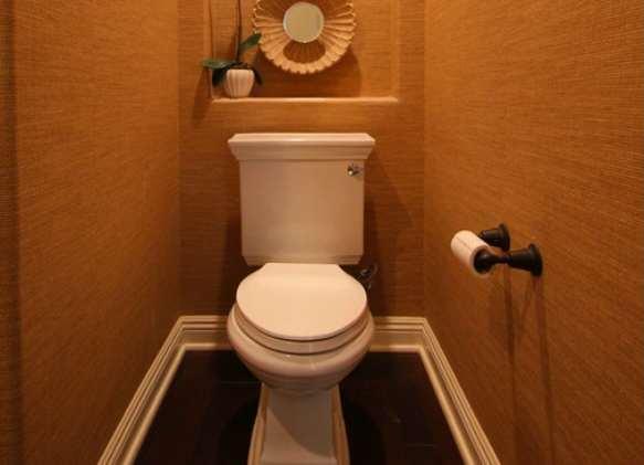 Как сделать ремонт в туалете закрыть трубы