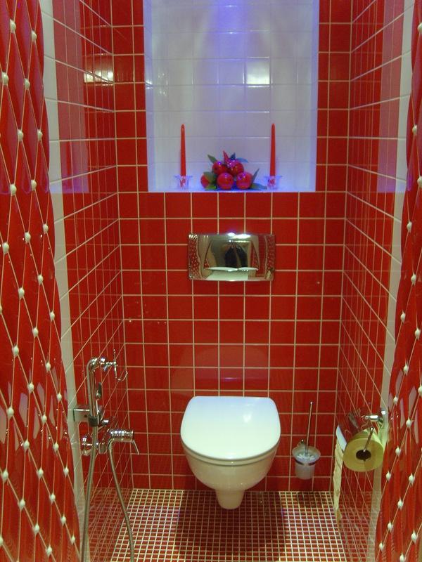 Декора стены своими руками в туалете